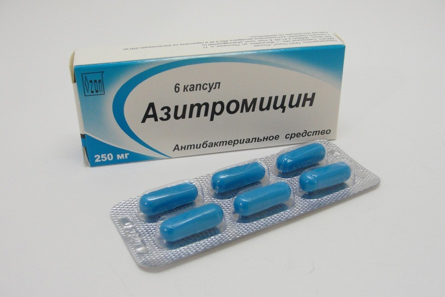 Азитромицин чаще всего применяют при инфекциях среднего уха, хламидиозе, стрептококковых и стафилококковых инфекциях