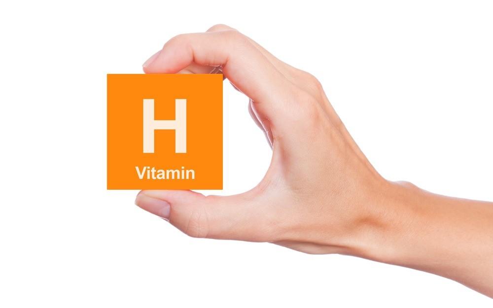 Витамин Н обеспечивает нормализацию процессов обмена, происходящих в толще кожного покрова